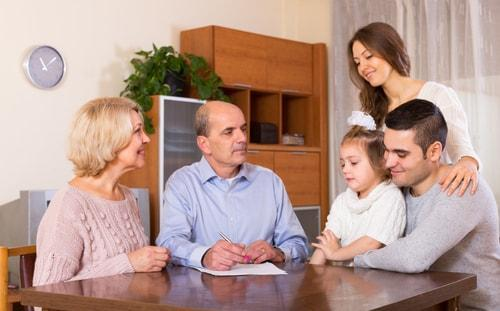 family-discussion-estate-planning-finances.jpg